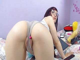 She Got A Huge Clit And Big Pussy Lips