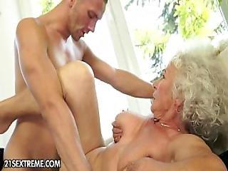 blowjob, teta, doggystyle, abuela, con cabello, duro, madura, natural