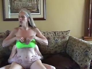 Young Boy Sucked Off By Trashy Mom