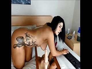Curvy British Girl Webcam