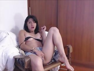 Meika First Time Squirt Masturbation
