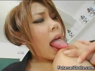 She Sucks Futanari Coed