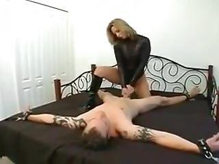 blonde, fétiche, branlette, masturbation, maîtresse, sexy, embêter, attachée