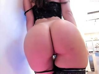 Bellabrookz Super Sexy Bubble Butt!