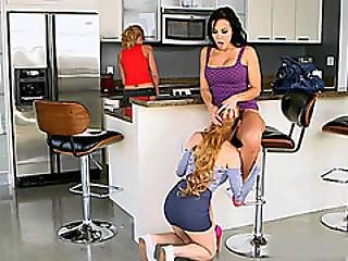 meter dedos, cozinha, lébica, lamber, milf, oral, Adolescentes