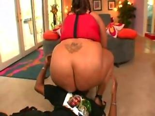 BBW Alyze fucking and moaning with pleasure