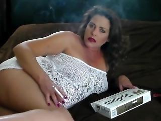 sigaretta, figlia, fetish, scopata, masturbazione, mamma, fumo, da sola