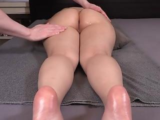 Oil Massage Turns Into Orgasmic Pleasure - German Amateur Shanoa Silver