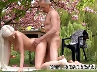 Ebony Teen Webcam Paul Is Loving His Breakfast In The Garden With His