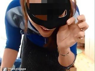 Sexy Femme Exp�riment�e Fait Son Show Devant La Webcam