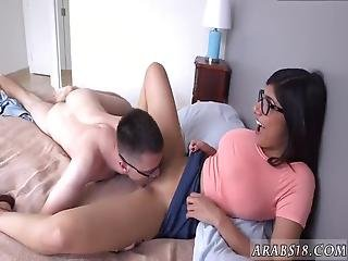 Arab Sucking Dick Mia Khalifa Popped A Devotees Cherry!
