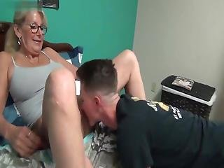 Story Time With Mommy