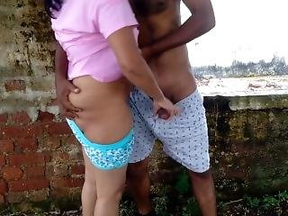 Indian Milf Wife Outdoor Public Fucking With Stranger In Abandoned House
