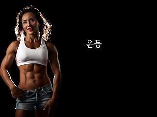 Korean Muscle Mom 01