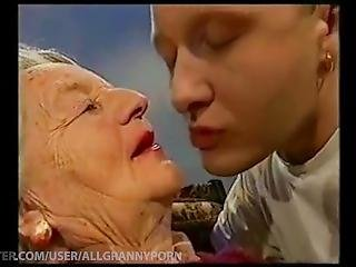 Kissing Grannys Compilation