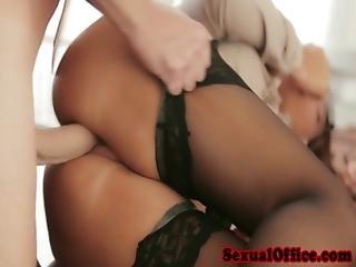 порно мами офіс секретарки