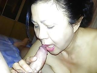 My Mature Friend Give Me Blowjob 2