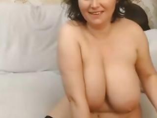 Bigg Tittts Mature Webcam - More At Beachporn.net