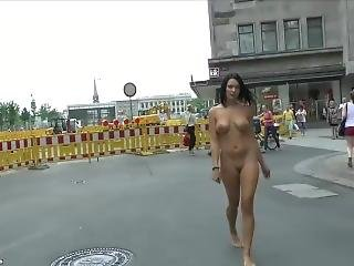 Diana Shows Her Boobs On Public Streets