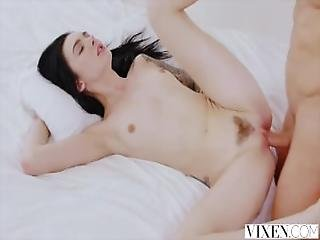 Amazing Girl Teen That She Fuck Suck Swallow Like A Diamond