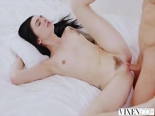 Amazing Girl Teen That She Fuck Suck Swallow Like A Diamond