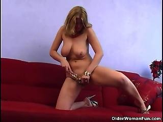 Mature Housewife With Big Tits Is Dildoing Her Ass