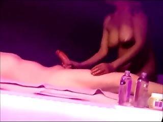 szex a masszázs szobában