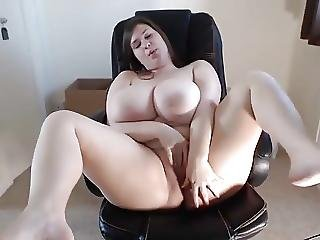 Young Bbw Amateur Masturbating On Cam