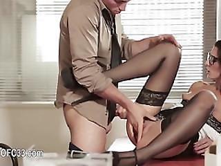 Perfect Office Sex With Beautiful Woman