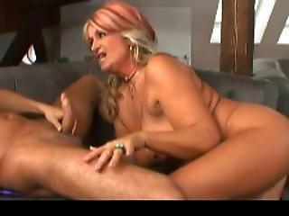 Milf wants cum in pussy