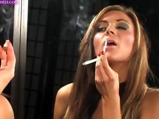 Jenna Hoskins Smoking