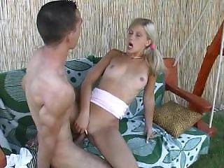 Backyard Sex � Teen Couple Outdoor