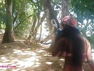 Heather Deep Gets Caught Giving Deepthroat Throatpie Outdoor On Beach