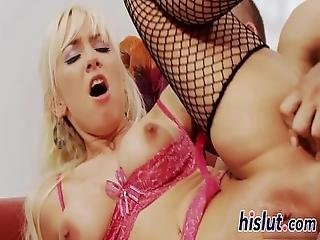 Ravishing Looker Is Crazy About Anal