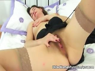 British Milf Clara Hewitt Fingers Her Hairy Cunt