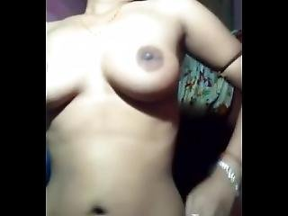 Sexxxxxxxxy Boobs Of My Neighbour Girl