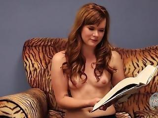 brunette, marrant, star du porno, petits seins, sans haut