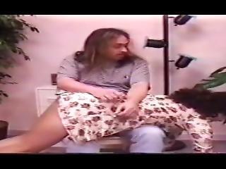 brittisk, brunett, fetish, porrstjärna, straffa, spanka, vintage, ung