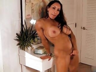 Big Clit Fbb Muscular Woman Hd Porn Video