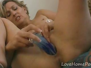 Hot Mom Experiments With Her New Toy