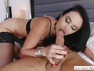 Gigi Allens Works Her Juicy Ass