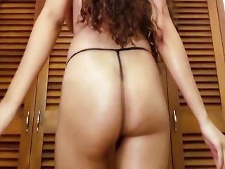 Latina ass shaking tube simply