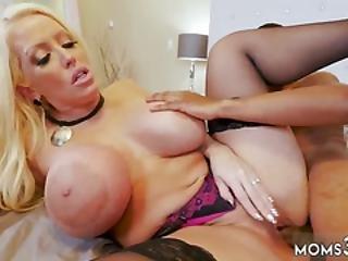Erotic Blonde Milf And Teen Trembling Orgasm Milf Fucks The Gardener