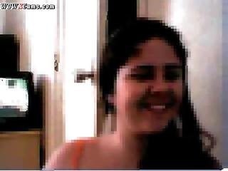 Arabic Girl Showing Body And Finguering On Webcam
