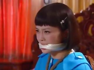 aasialainen, sidonta, suukapuloitu
