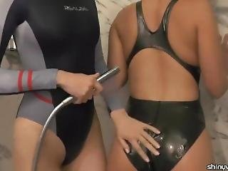 lesbická sprcha porno videa