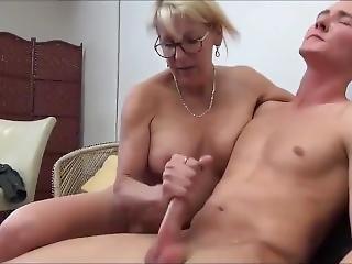 Shameless Mature Stepmom Seduces And Fucks Her 18yo Stepson With Big Cock