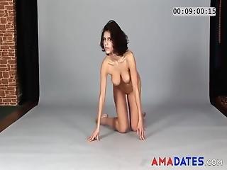 amateur hausfrau posiert