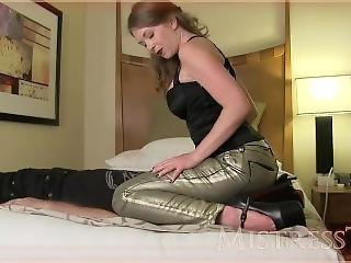 Facesitting Jeans Mistress T - Mean Sister Facesitting