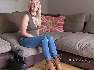 amatør, blond, britisk, optagelsesprøve, sofa, fisse, deepthroat, kneppe, interview, lang benet, realitiet, sexet